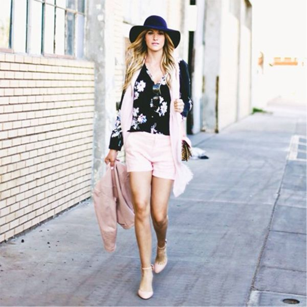 Dashofdarling mixes pastels with a sharp print // #Fashion #StreetStyle