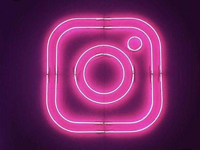Lilybreatheofficiel Lilybreatheofficiel In 2020 Wallpaper Iphone Neon Neon Wallpaper Instagram Logo