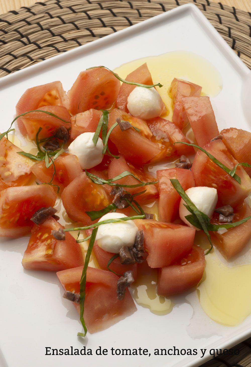 Receta De Ensalada De Tomate Anchoas Y Queso Karlos Arguiñano Ensalada De Tomate Y Aguacate Ensalada De Tomate Ensaladas Recetas