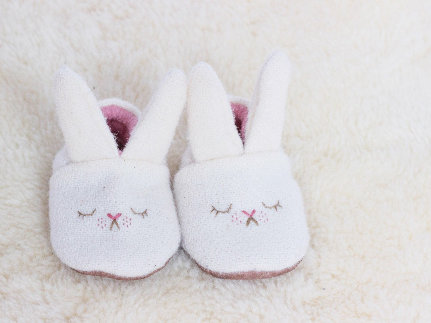 7fa99185d5776 White bunny baby wool slippers lined with hemp and organic cotton fleece