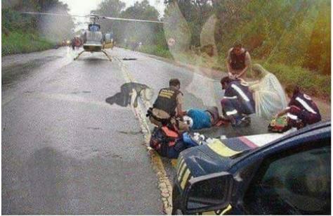 Inacreditável Homem tira fotos de um grave acidente e quando vai Olha não Acredita no que ver