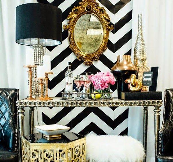 Stunning design for a foyer/entryway. #homedecor #homedesign #interiordesign #blackandwhite