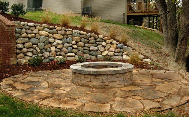 Round Flagstone Patio Stone Retaining Wall
