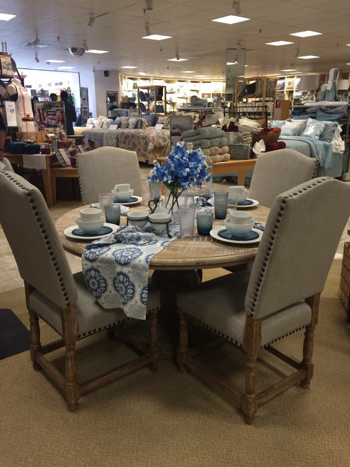 Southern Living Dinning Set At Dillard
