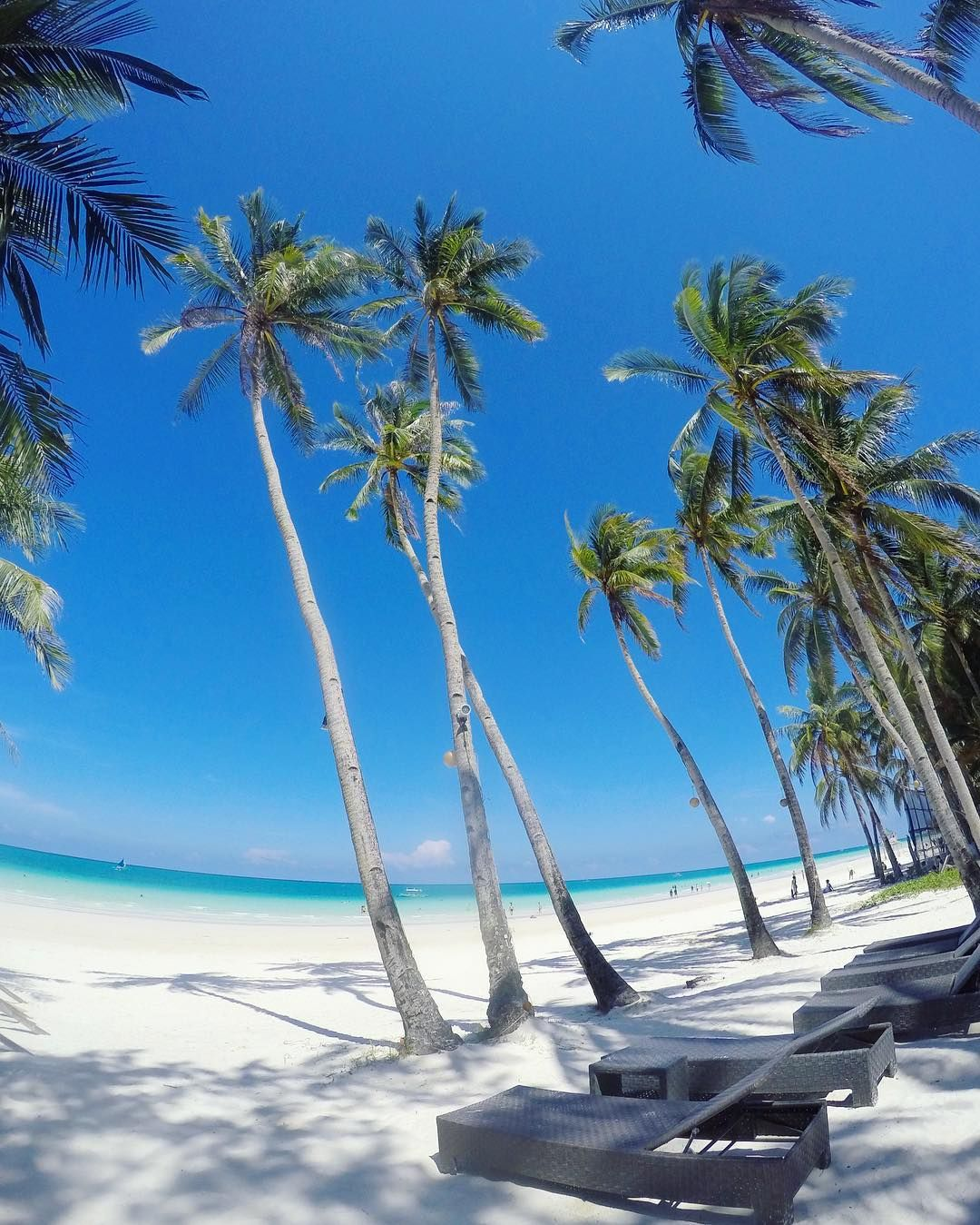 Boracay Beach: In One Of The Best Beaches In The World. I Want To Get