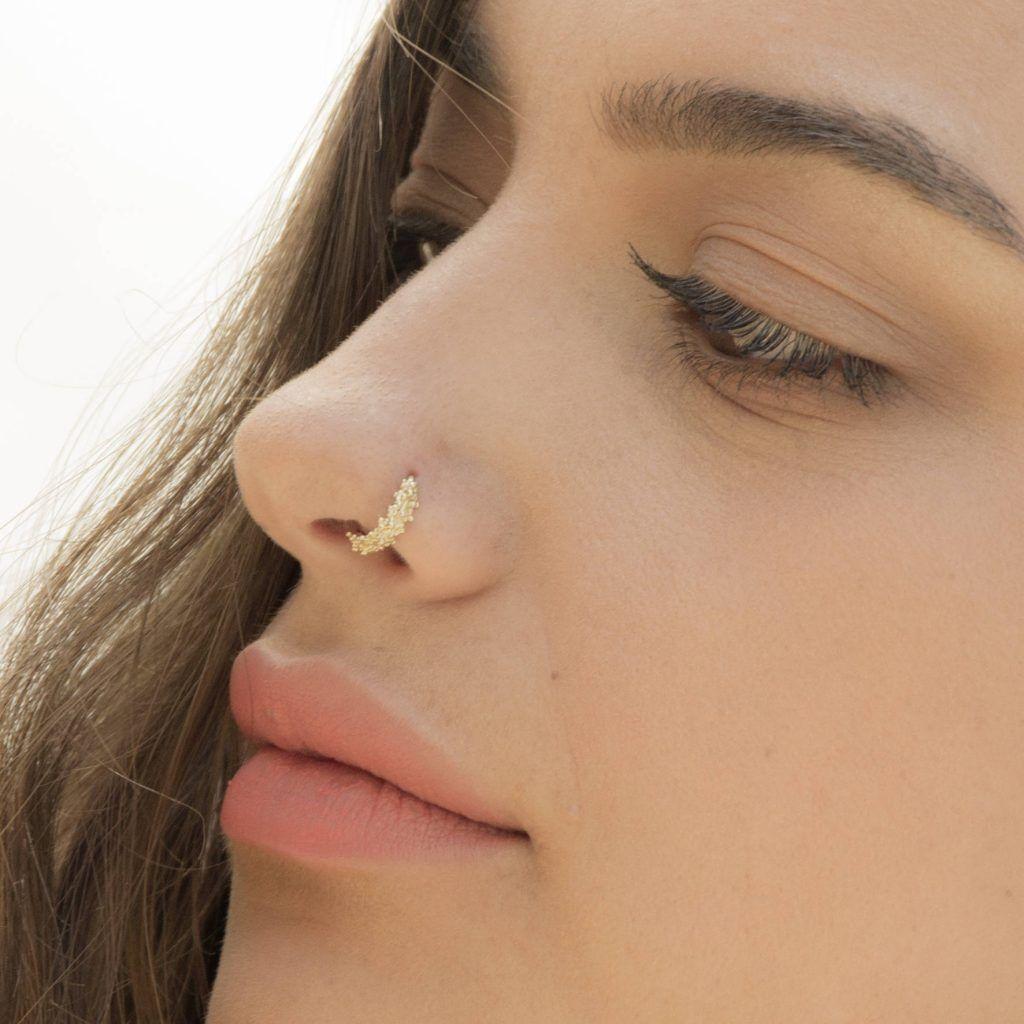 Nasenpiercing für Mädchen: Arten von Reifenpannen