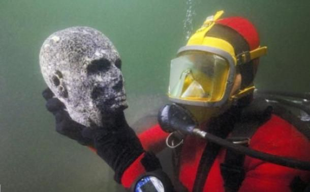Precious Treasures From Ancient Heracleion To Be Revealed Egyptian Artifacts Ancient Egyptian Artifacts Ancient Egyptian Cities
