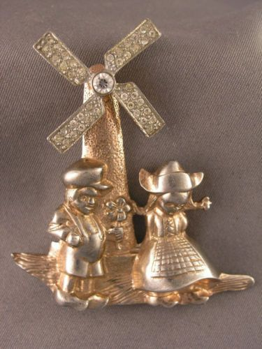Vintage-Garman-Sterling-Dutch-Boy-Girl-Holland-Windmill-Blades-Move-Brooch-40s