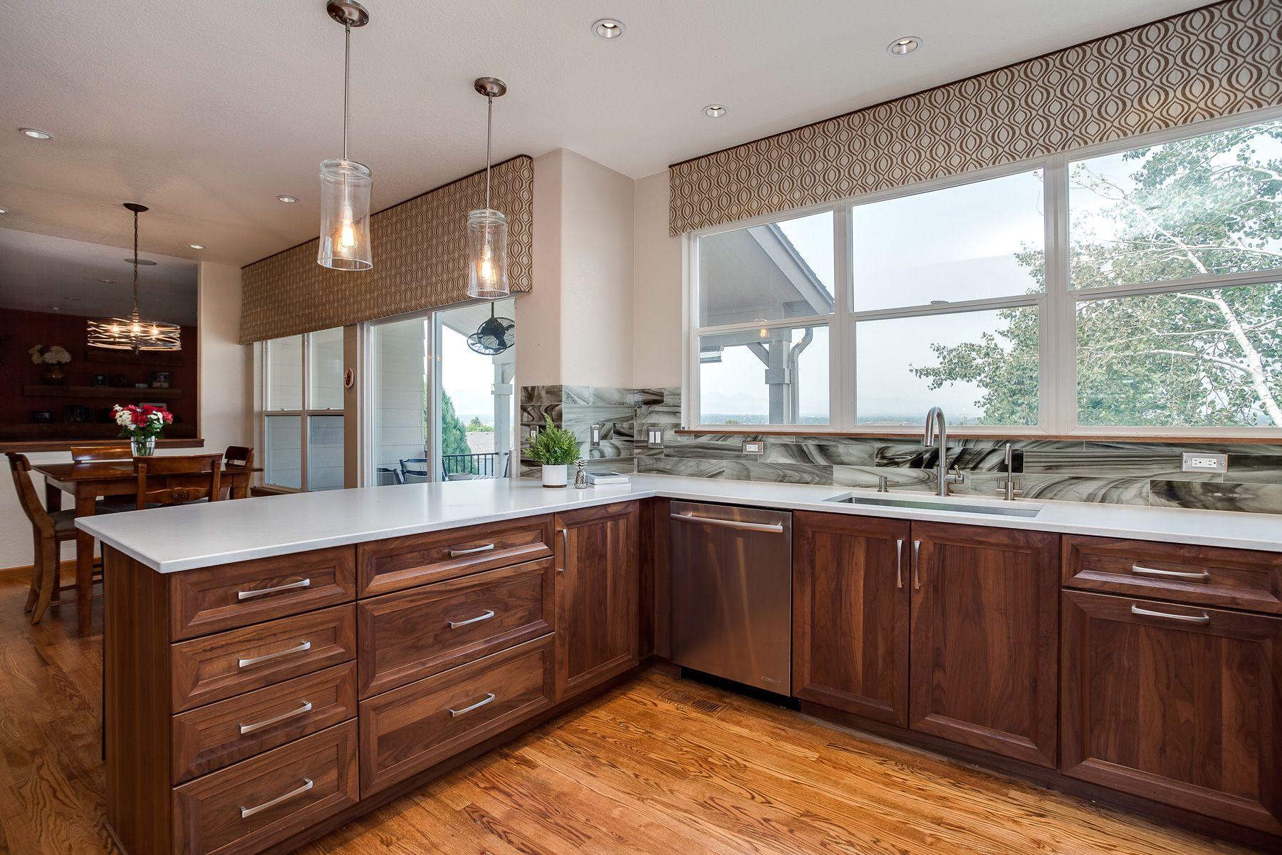 Beautiful Transitional Modern Kitchen Remodel Jm Kitchen And Bath Https Www Jmwoodworks Com B Modern Kitchen Remodel Shaker Kitchen Cabinets Modern Kitchen