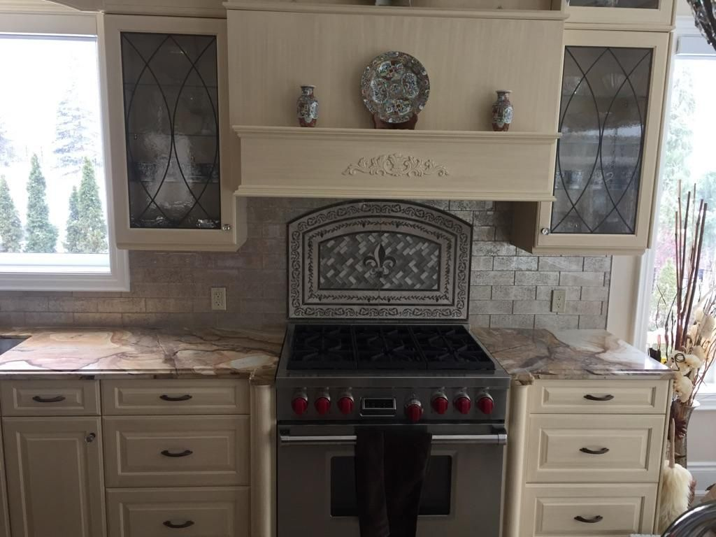 Custom Made Medallion Supplied By Quarry Direct Mississauga Kitchen Renovation Kitchens Bathrooms Kitchen