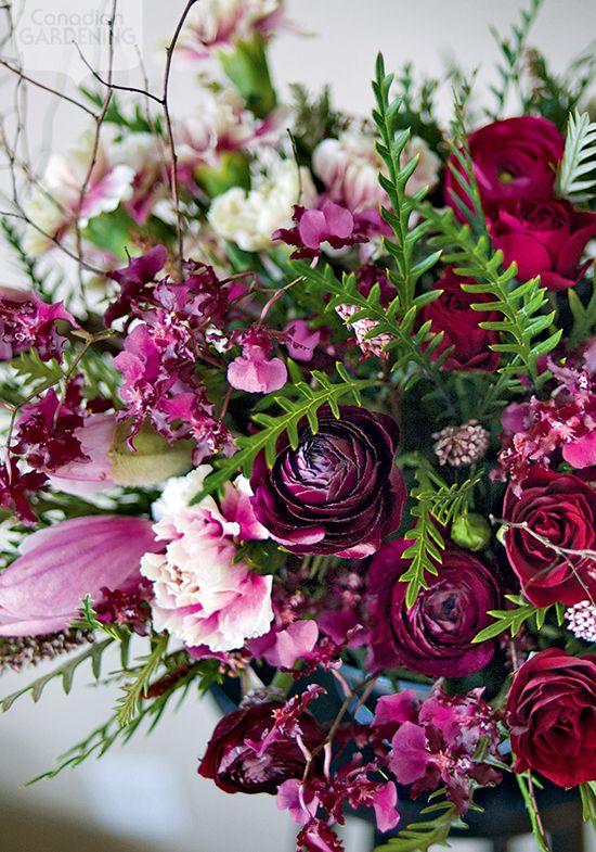 Seasonal flower arrangement: Exotic mix