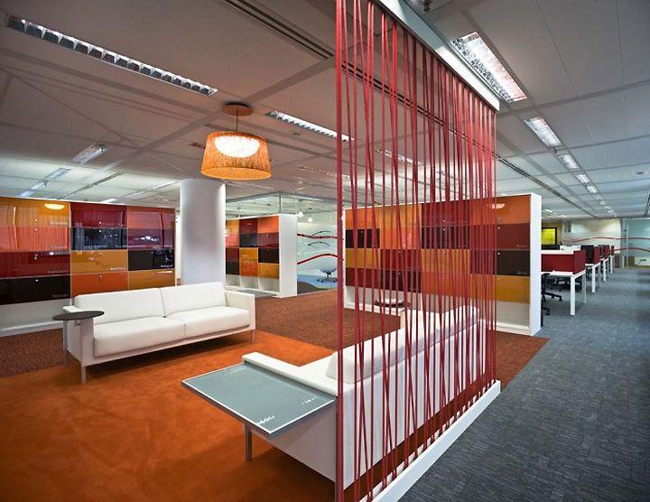Divisor para el living del pasillo y de finanzas del for One room office interior design