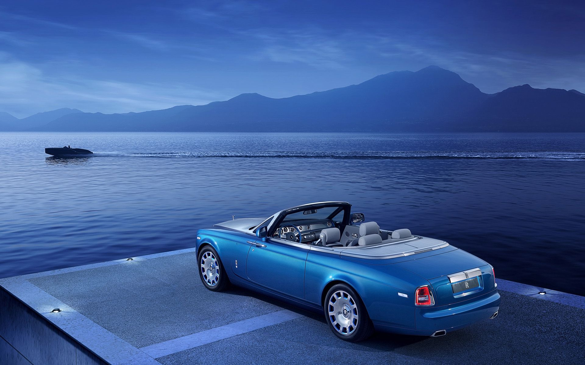 ROLLS-ROYCE PHANTOM DROPHEAD COUPÉ WATERSPEED COLLECTION SET FOR DEBUT : Luxury Auto Direct Magazine