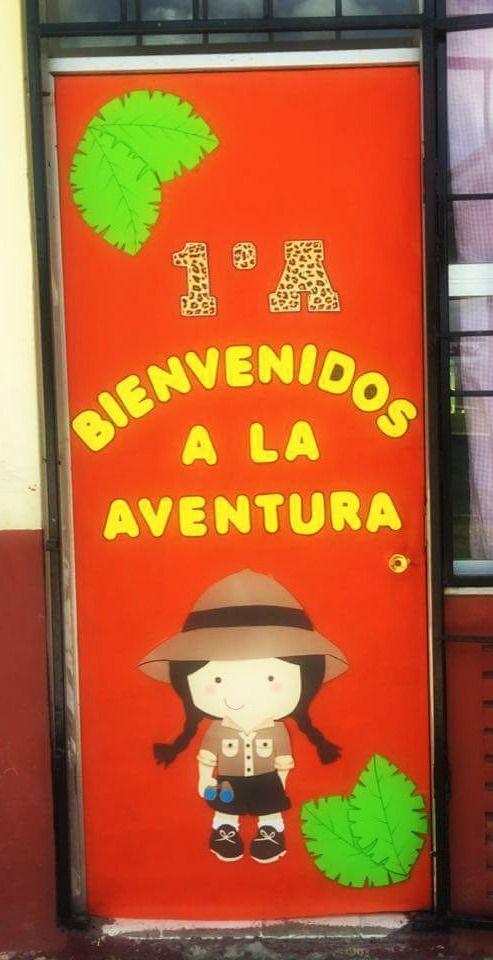 Puerta decorada de bienvenidos exploradores escuela for Decoracion puerta aula infantil