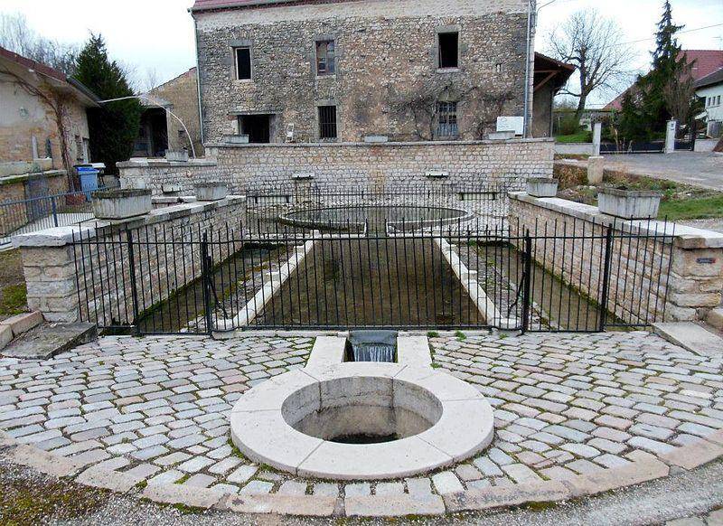 Dole, Source antique de Goux