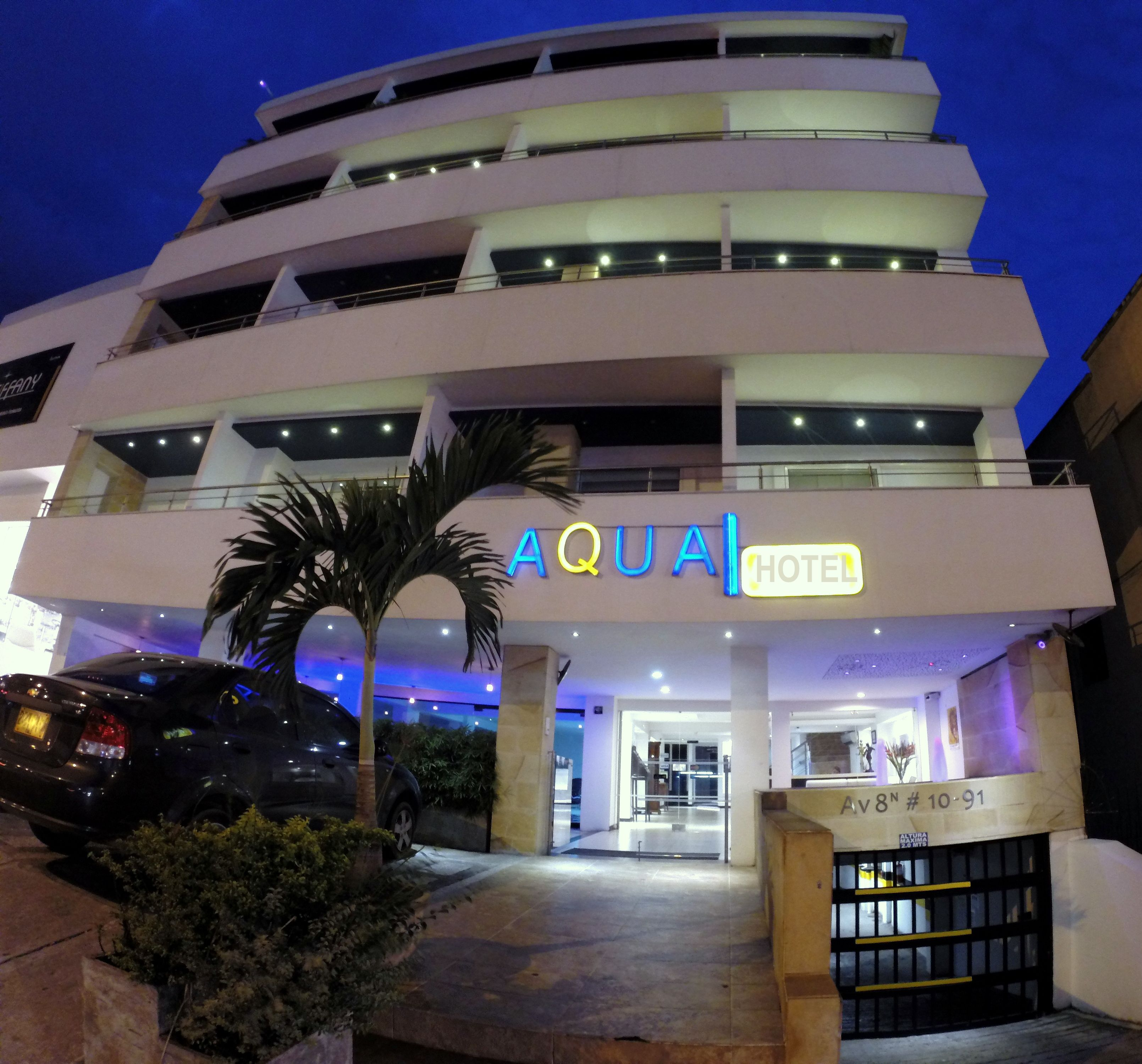 Un Pequeno Hotel Con Encanto En Cali Cerca De Todo Y Con Todo Lo Que Necesitas Www Aquahotelcali Co Hotel Con Encanto Hoteles Hotel