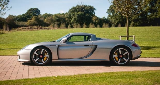 the design of the Porsche Carrera GT is firmly rooted in its motorsport lineage. After success in 1998 at the famous 24-hour race, a team of engineers started work on a new mid-engined V-10 model utilising advanced technologies and materials.
