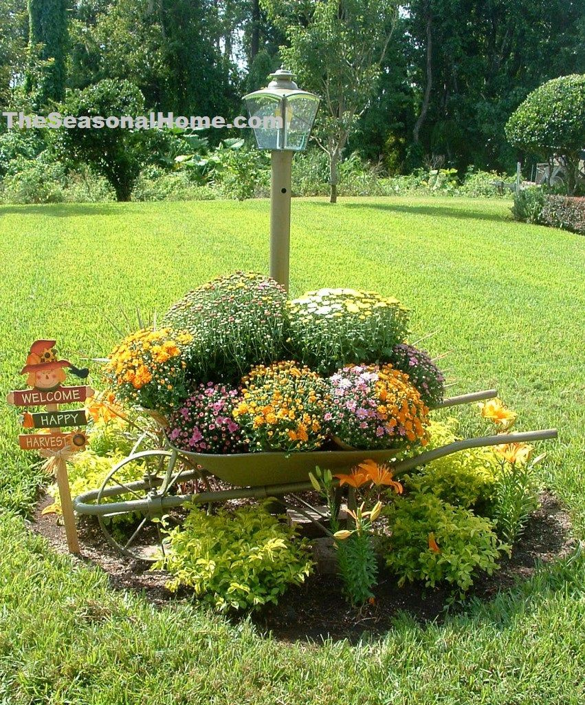 Garden decor tree  sfallwheelbarrow  RECIBIR EN HALLOWEEN  Pinterest  Yard