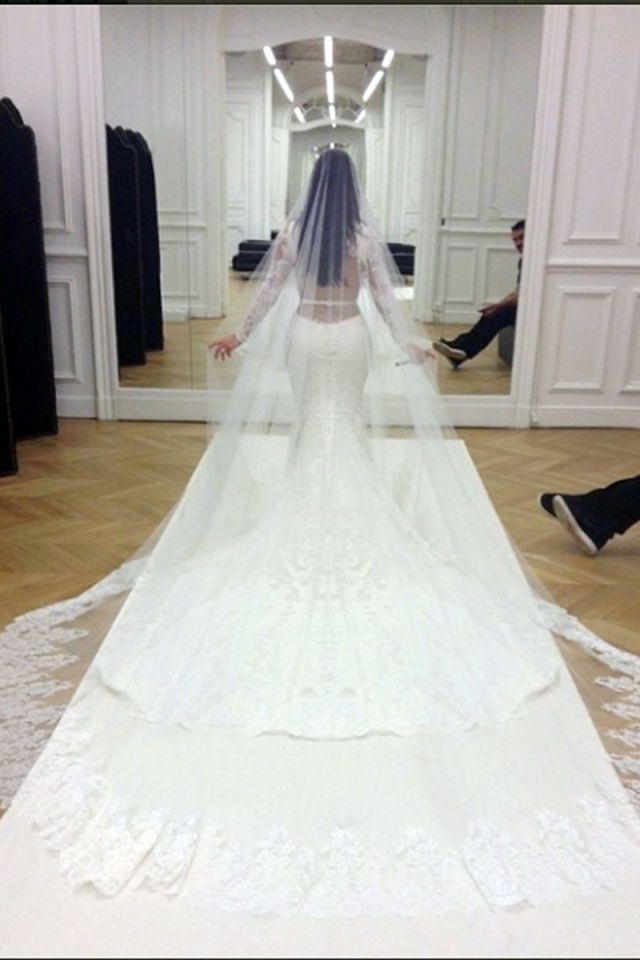 The Most Expensive Wedding Gowns of All Time | Hair And Makeup ...