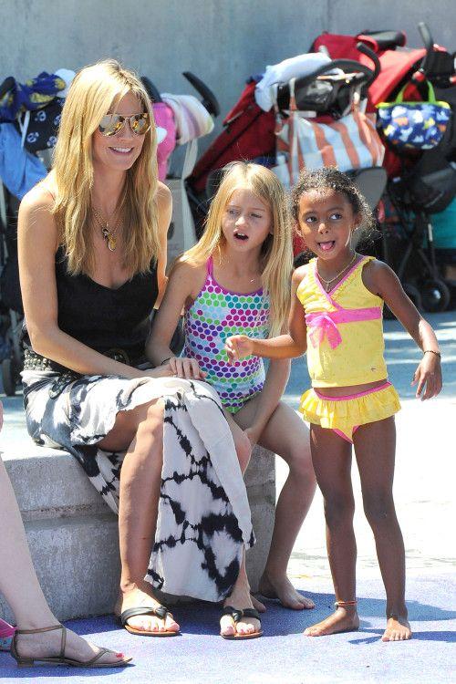 549c52a866 Heidi Klum W/ a tie dye maxi & beach waves | Favorite celebrities ...