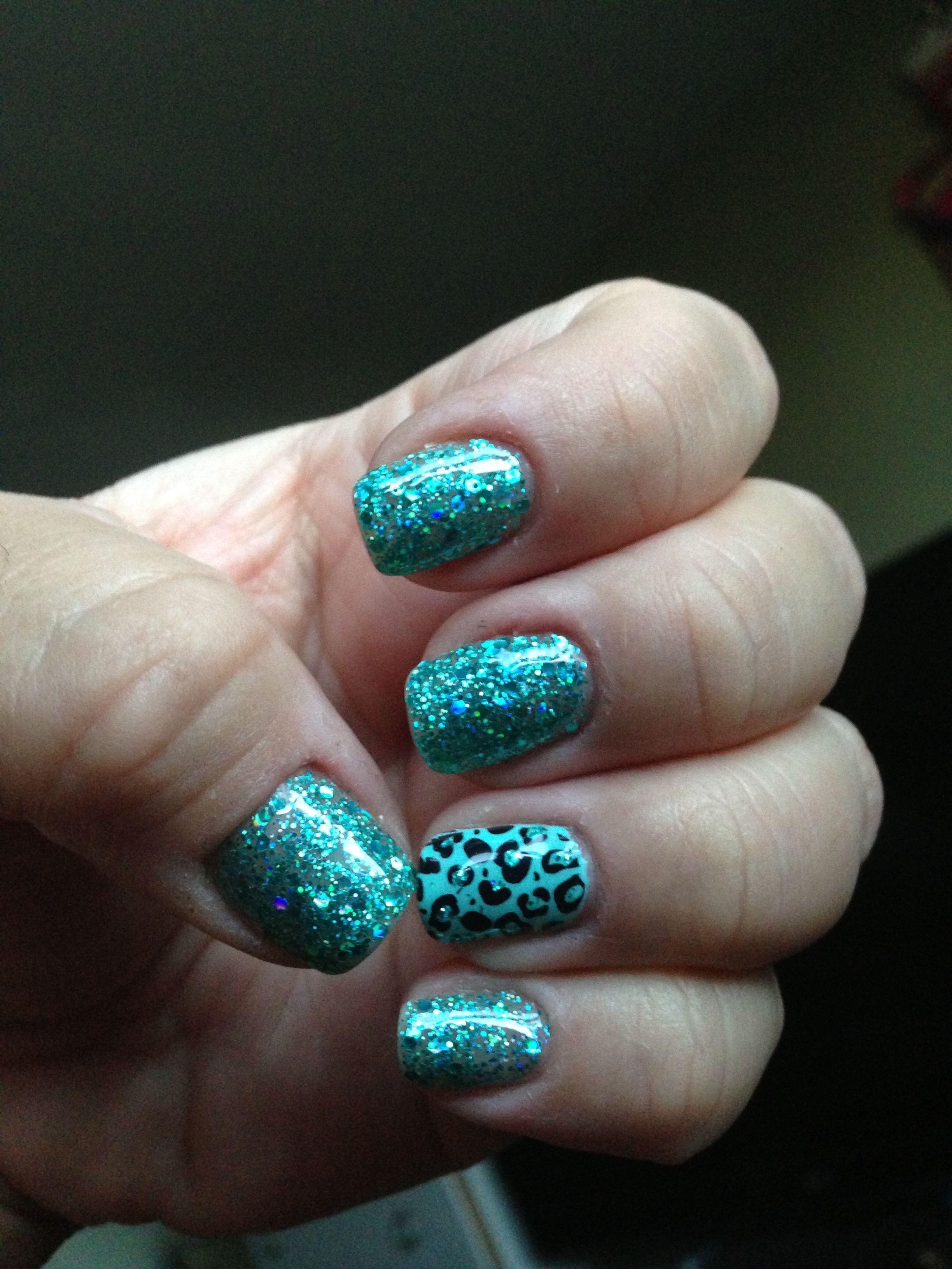 weeks nails aqua glitter