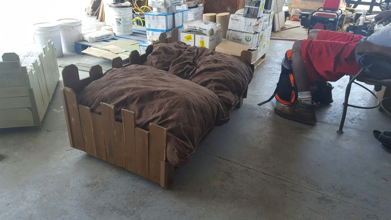 Pin By Tracey On Pallet Tables Ideas Bean Bag Chair