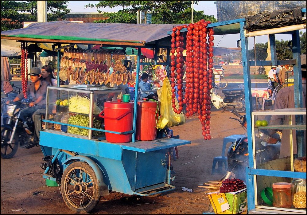 short essay on street hawkers We see street hawkers every day street hawkers are found in every city a street hawker carries his things on his head some street hawkers carry their wares on a cycle or a hand-cart a street.