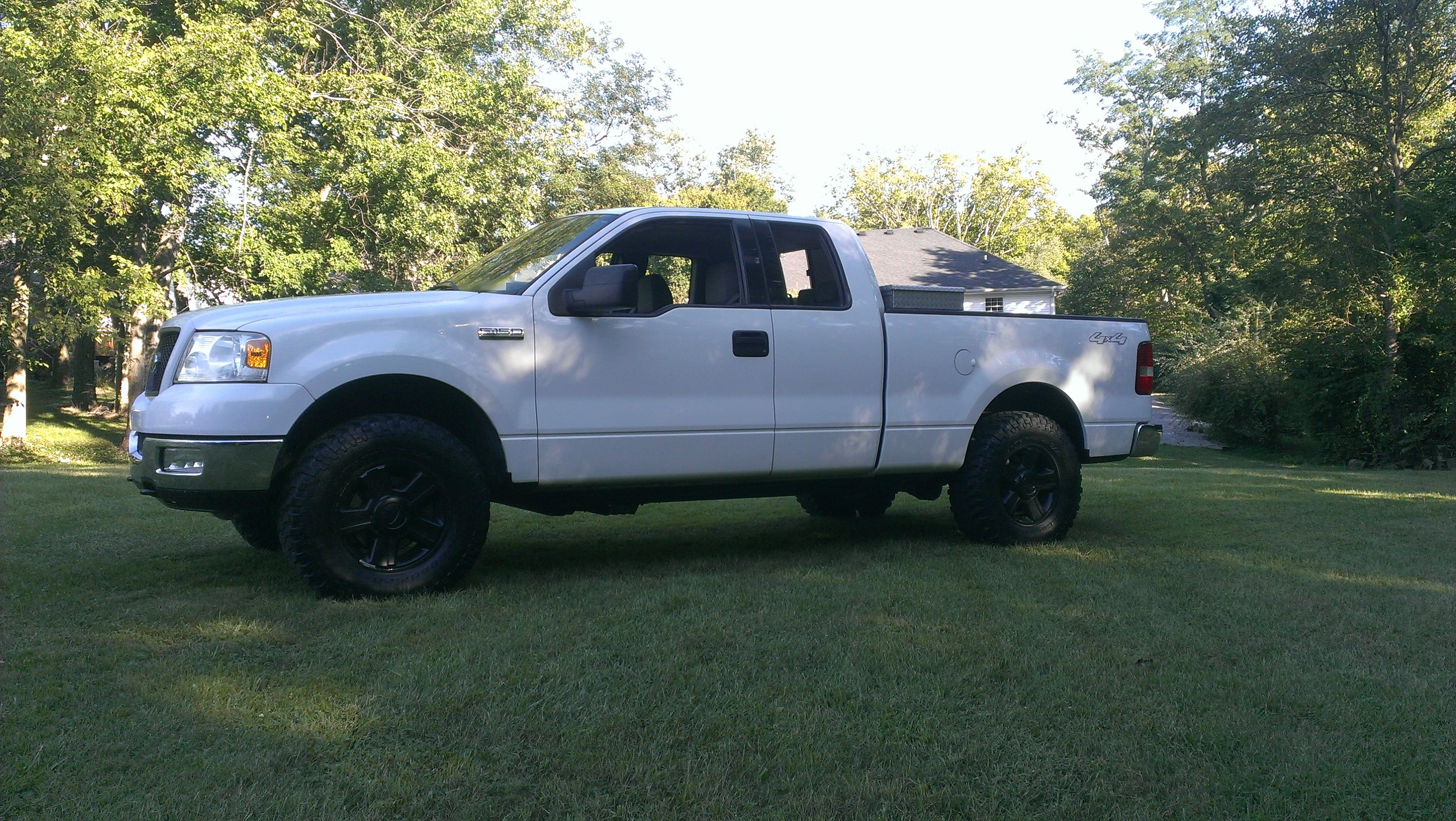 2004 f150 4x4 xlt 2 leveling kit 35 bfg mud terrains on painted stock