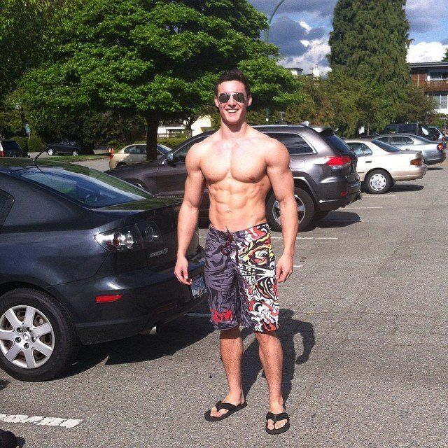 Shirtless-Male-College-Guy-At-the-Pool-Ripped-Abs-Cute