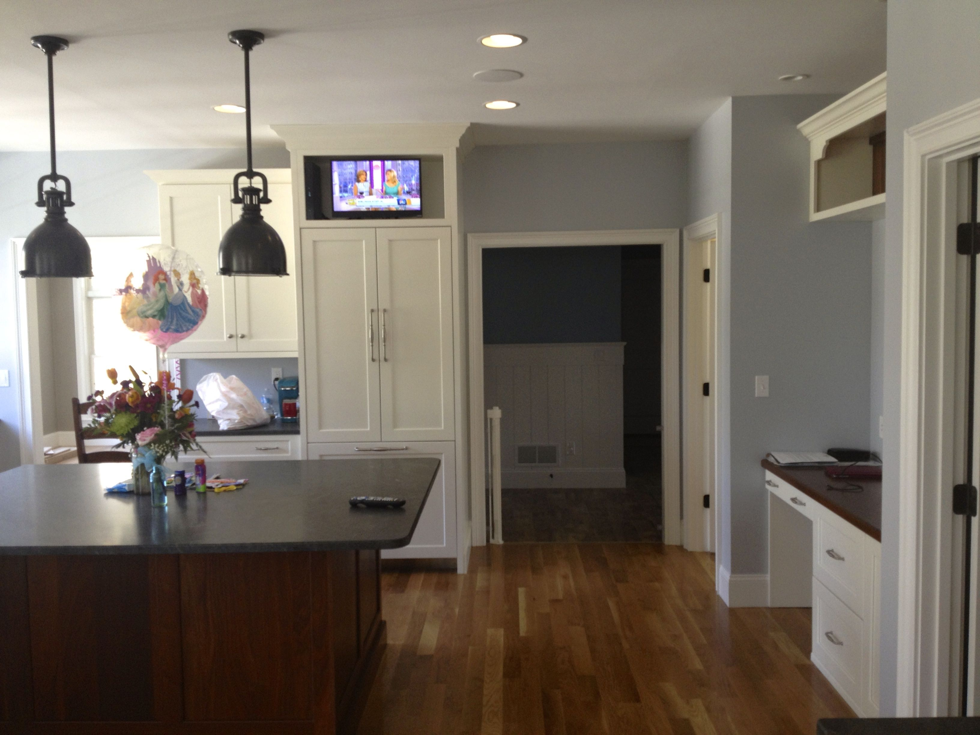 Attrayant Kitchen In Ceiling Speakers And TV