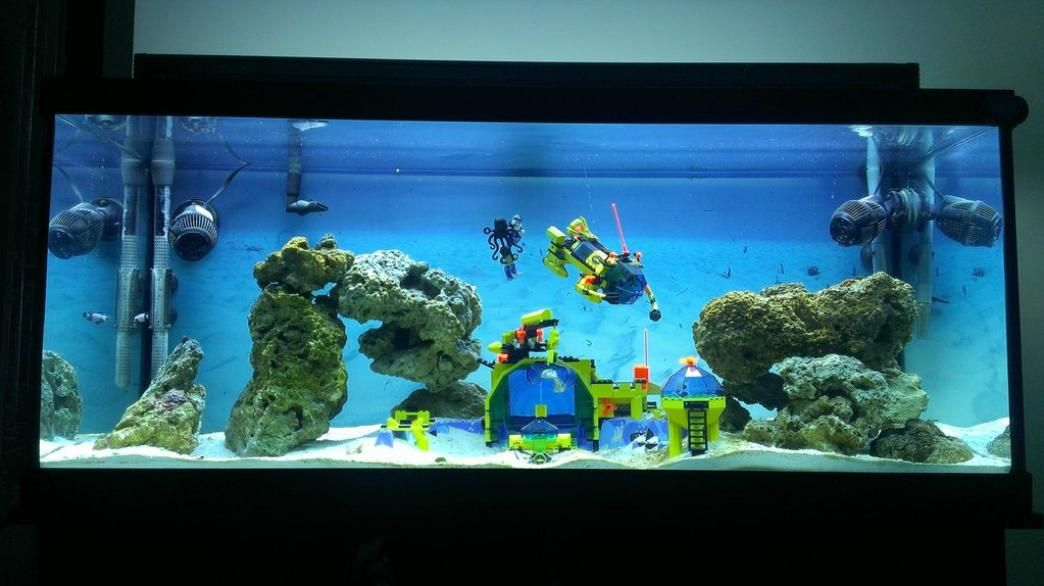 A compilation of some of the best lego aquariums for Aquarium decoration themes