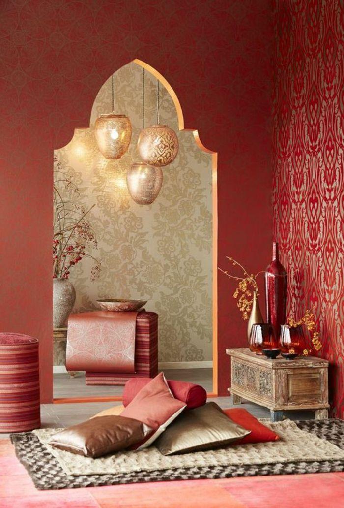 Orientalisch Wohnen Deko Ideen Kissen Braun Golden Tapeten In Rot Und  Golden Mit Dekorationen Teppich Vase