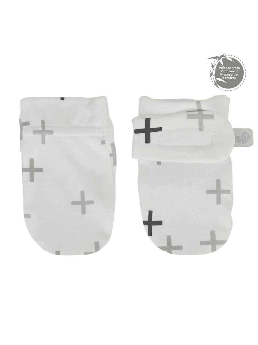 d75532bf830 Prevent baby from scratching with these cute no-scratch mitts. Made with a  soft