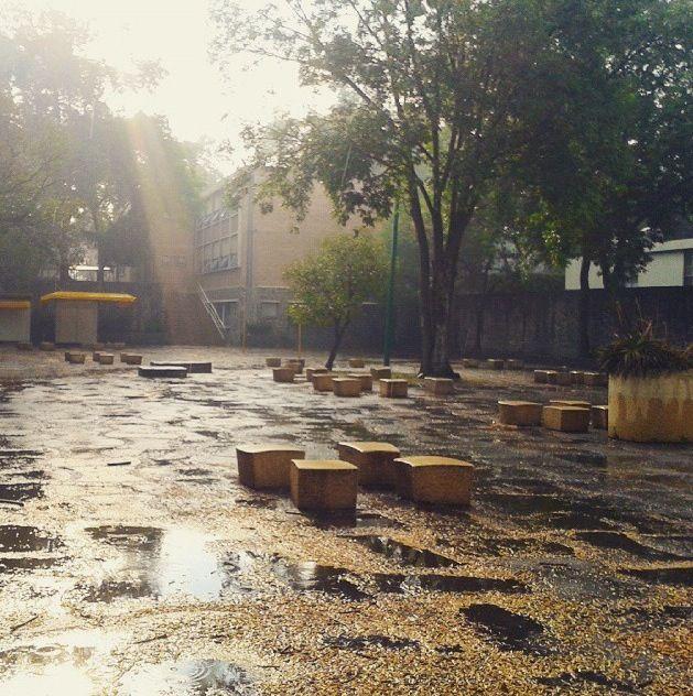 Excelente foto nuestra casa #SoyFA  Esperamos que se estén pasando excelentes días de descanso... Gracias Cris Lg por la foto... Saludos... #UNAM #CU #Arquitectura  #SoyFA #OrgulloUNAM #Fotografia