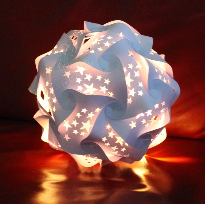 puzzle lampe mit ausgestanzten teilen puzzlelampe licht. Black Bedroom Furniture Sets. Home Design Ideas