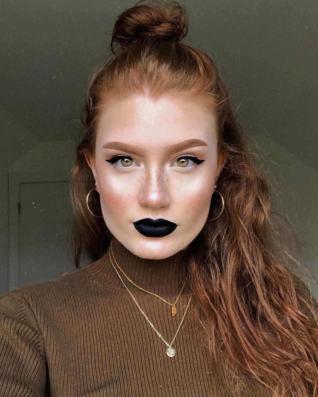 "Photo of 𝓛𝔂𝓭𝓲𝓪 𝓖𝓻𝓪𝔂𝓬𝓮 on Instagram: ""My mood lately has been minimal eye makeup + a bold lip. 💄🦇 – – – – – – BASE: @niveamenusa sensitive shave balm @benefitcosmetics…"""