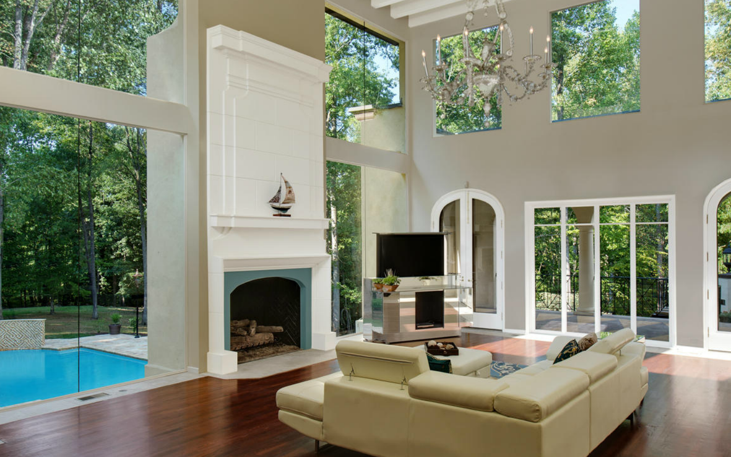 Love the windows and natural light