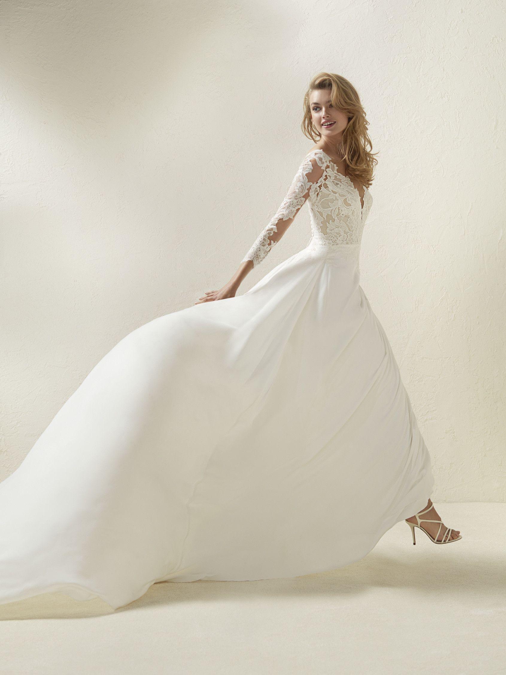 Robe de mariée coupe évasée effet deux pièces   Wedding   Pinterest ...