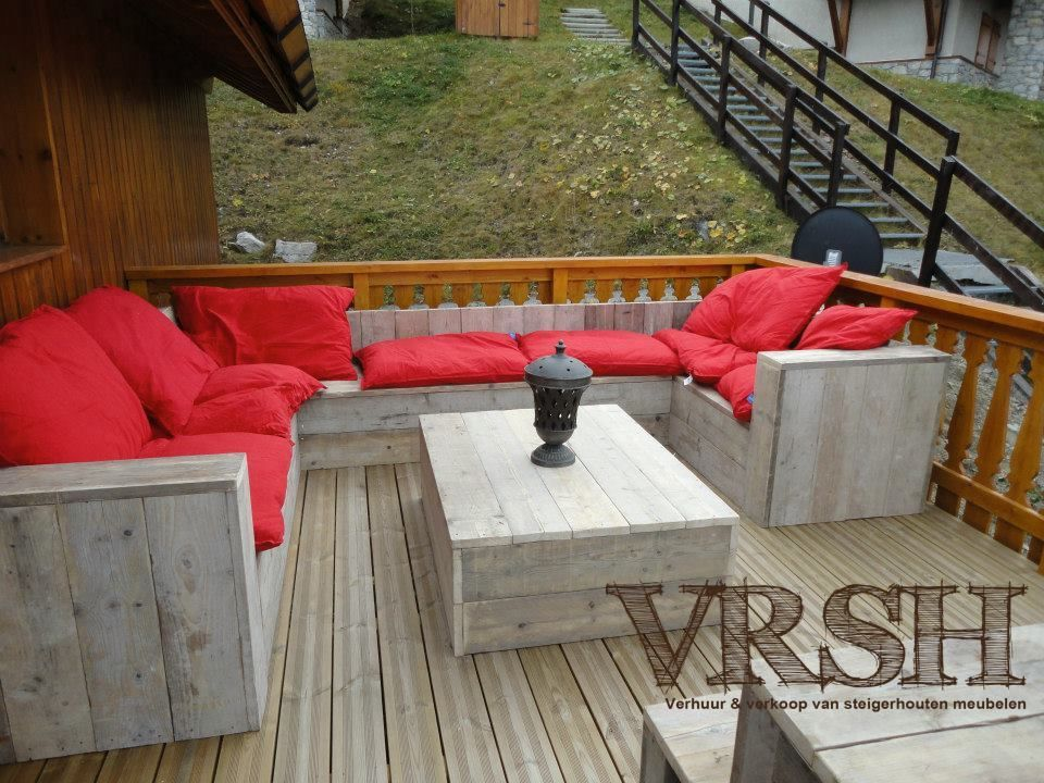 Chalet in frankrijk voorzien van steigerhouten loungebank