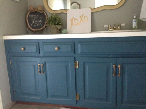Painting bathroom vanity with chalk paint Aubusson Blue ...