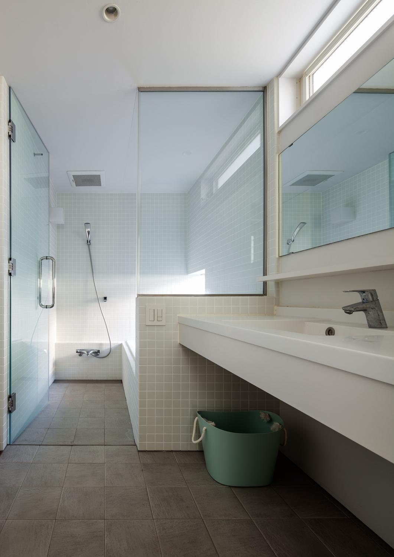 透け感が人気 バスルームの ガラス扉 大特集 Suvaco スバコ