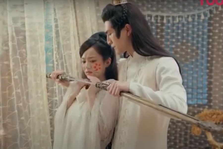 Watch: Zhang Si Fan and Hu Yi Xuan Are Sweet Love in Drama