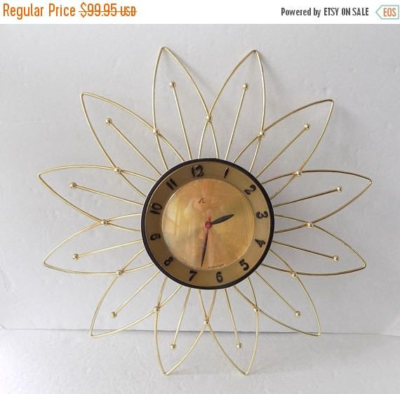 On Sale Vintage 1950s Lux Electric Starburst Wall Clock Atomic Home Decor 20 By Craftyseller On Etsy Clock Starburst Wall Clock