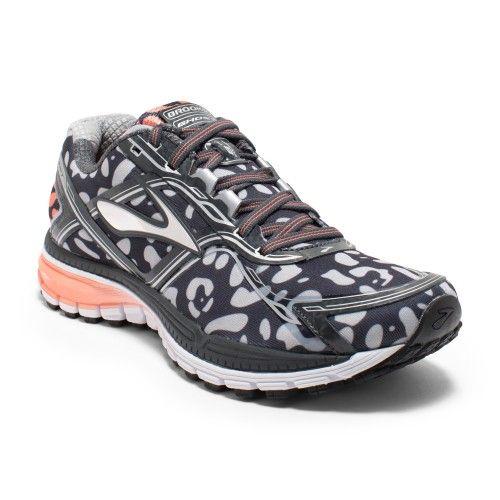 Nike Free Women Leopard Print Shoe | Journeys International