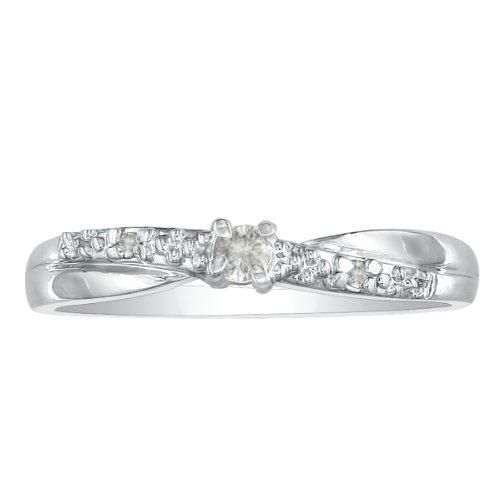 Beautiful Promise Ring With Diamonds Flowing Across The Finger This Diamond Promise Ring Featur Beautiful Promise Rings Diamond Promise Rings White Gold Rings