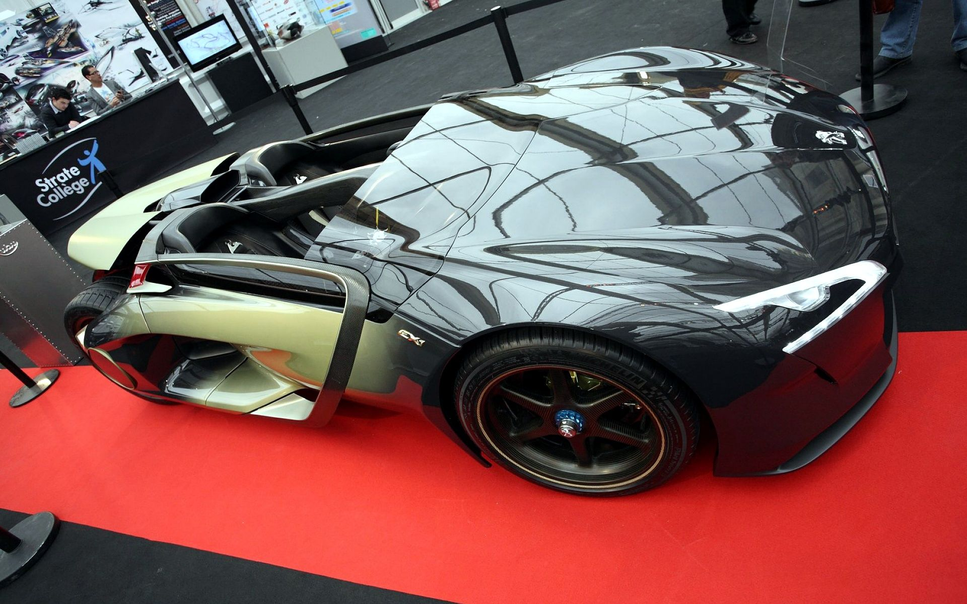 Peugeot EX1 Concept #peugeotex1 #wallpapers Www.yours Cars.eu