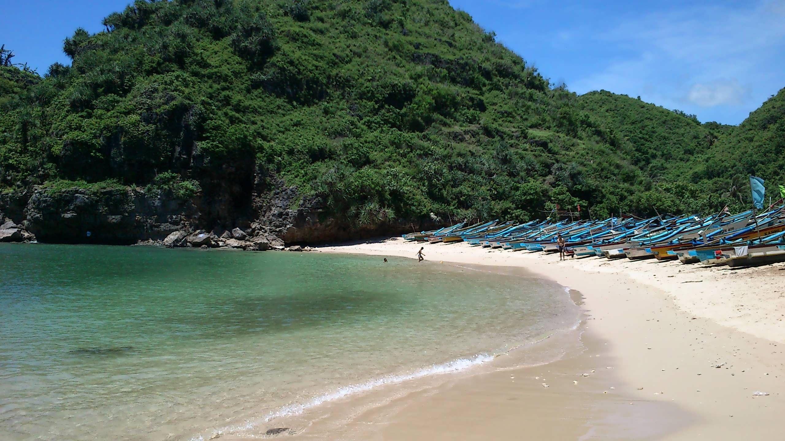 Pantai Ngrenehan Yang Indah Di Gunung Kidul Yogyakarta Yogyakarta Pantai Yogyakarta Dan Pegunungan