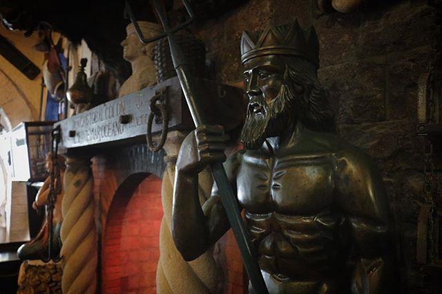 Historia en una sola foto.. 🤴🏿🎊📷 #Playa #photo #Faro #Salinas #Zeus #FarallonDillon #Vintage #ecuador🇪🇨 #allyouneedisecuador #photographer #photography #vscocam #workout #593 #capitan #mar #history  Consulta nuestros Precios 📞 0989391723 #montereylocals #salinaslocals- posted by K€v!n   Photographer https://www.instagram.com/kevinproduc - See more of Salinas, CA at http://salinaslocals.com