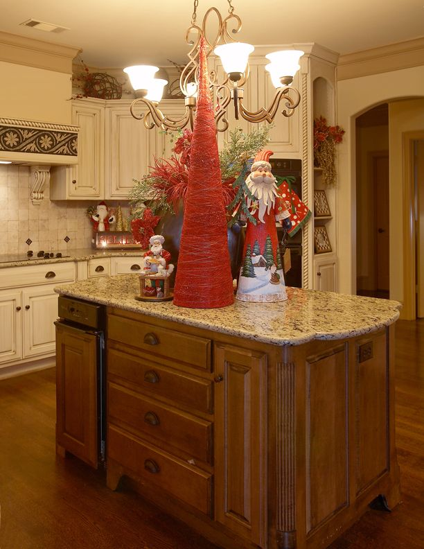 there isnt anything i dont like from the kitchen cabinets to the christmas decorations love love love now where do i pin this dream home or xmas - Christmas Decorations For Kitchen Cabinets