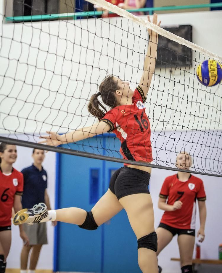 Volleyball Beauty In 2020 Volleyball Workouts Female Volleyball Players Women Volleyball